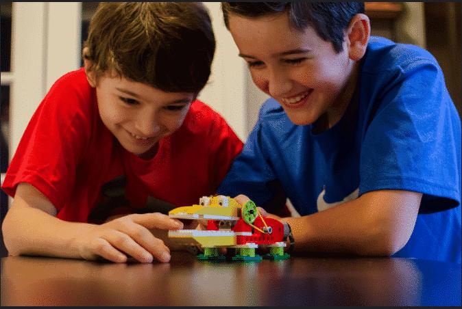 Alligator Lego Set