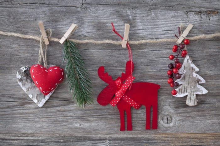 10 Tips For a Military Spouse Getting Ready to Go Through This Holiday Season With a Deployed Spouse